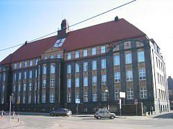 Frontowy widok szpitala w Piekarach Śląskich